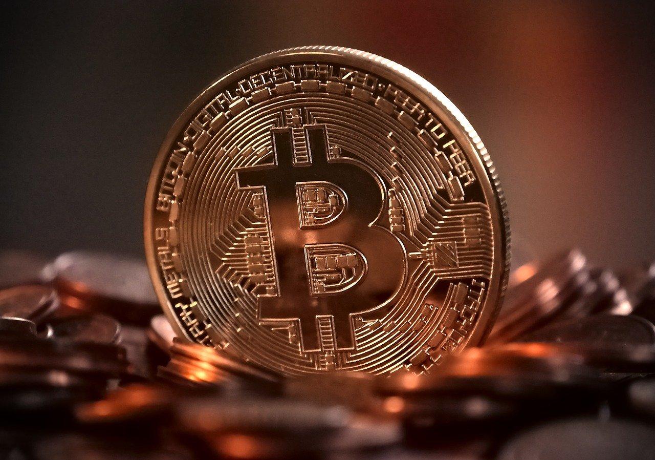 Bitcoin, le cause di crollo e aumento di valore della criptovaluta